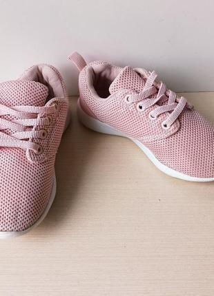 Легесенькі дитячі кросівочки