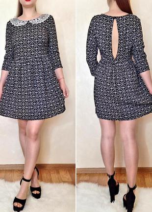 Лёгкое платье с вырезом на спине и красивым воротничком в ретро стиле
