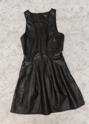 Topshop шикарное стильное платье из экокожи без рукавов