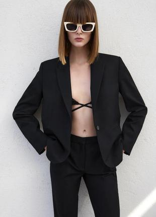 Классический черный пиджак с плечиками zara