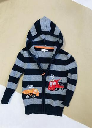 Вязаный свитер на молнии с капюшоном на мальчика