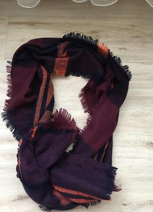 Тёплый и мягкий длинный шарф