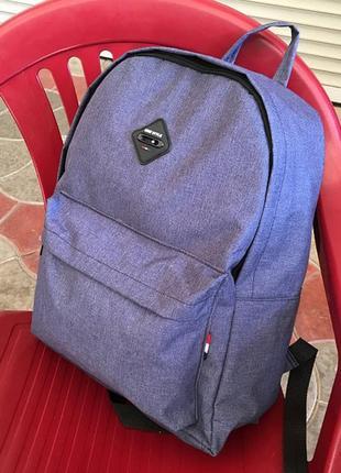Спортивный рюкзак среднего размера