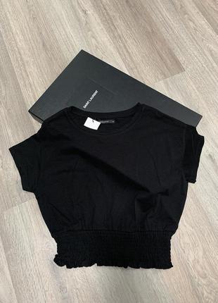 Новая чёрная футболка снизу на резинке жатка