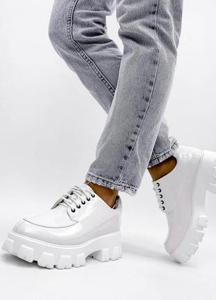 Туфли на платформе броги