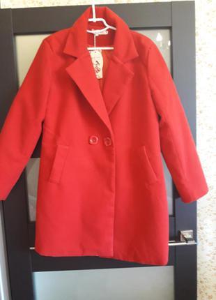 Красное пальто !!!!!срочно!!!!