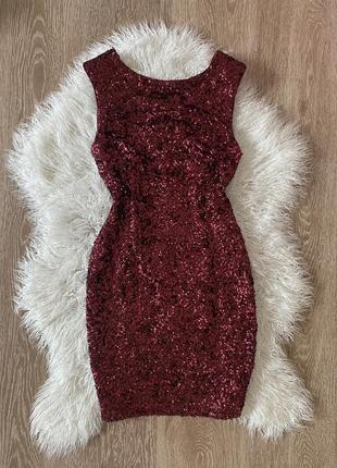 Шикарное платье по фигуре бордо нарядное
