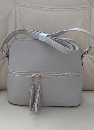 Симпатична зручна сумочка/италия