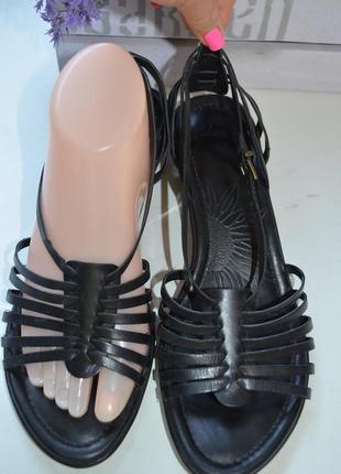 Кожаные сандалии clarks р. 39 по стельке 25 см
