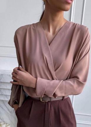Стильная базовая женская  блузка на запах на каждый день