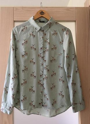 Нежная натуральная оливковая блуза рубашка стильный принт олени tu