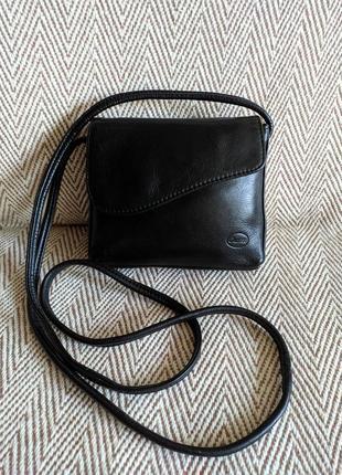 Небольшая кожаная сумочка(calipso) италия.