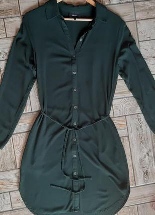 Красивое зеленое платье-рубашка