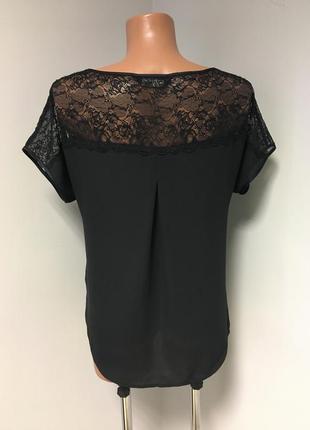Красивая блуза футболка чёрного цвета с кружевом по плечам4 фото