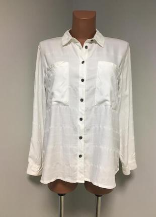 Крутая рубашка в клетку  белого цвета шикарного качества