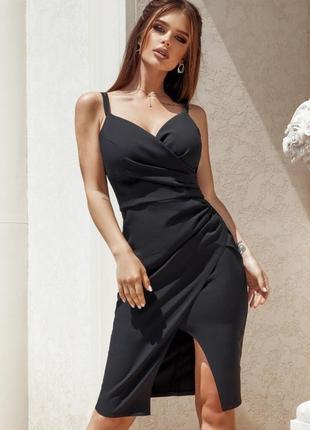 Великолепное чёрное облегающее платье