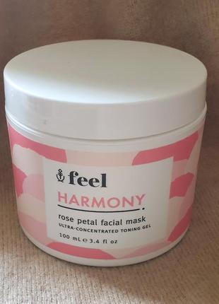 Освежающая маска для лица feel с лепестками роз