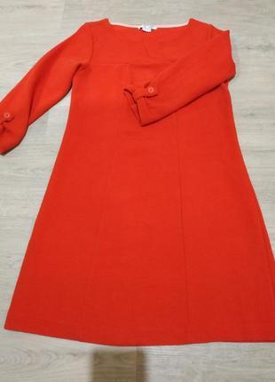 Маленькое красное платье а силуэт как твид