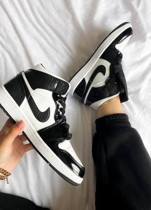 Женские кроссовки nike air jordan 1 mid carbon скидка sale | жіночі кросівки знижка