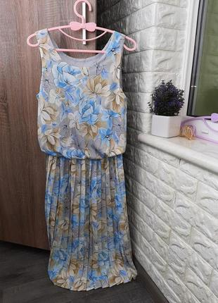 Шикарное винтажное платье миди  плиссе