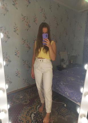 Білі джинси stradivarius