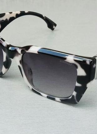 Burberry стильные женские солнцезащитные очки черно бежевый мрамор с градиентом