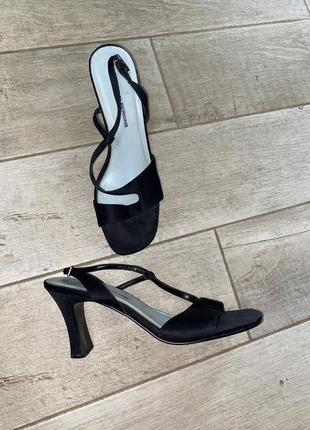 Чёрные тканевые босоножки,квадратный носок,устойчивый каблук