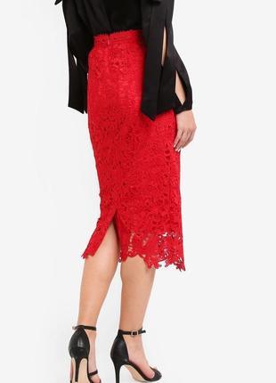 Шикарная красная юбка миди карандаш   из кружева кроше