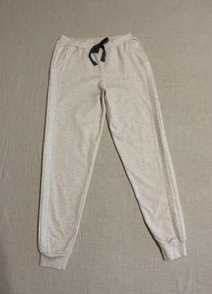 Новые брюки на манжете