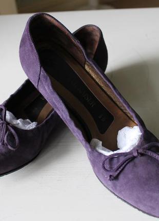 Оригинальные изящные туфли, балетки модного сливового цвета