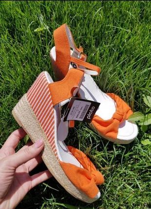 Босоножки на платформе шлепки сандали