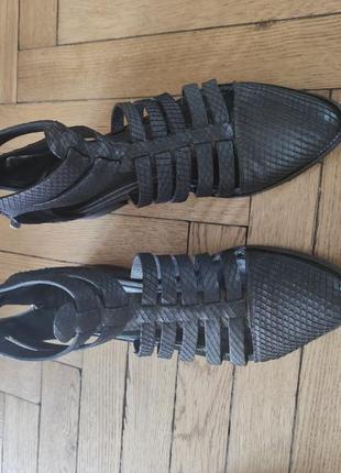 Кожаные сандалии гладиаторы