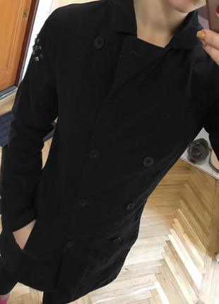 Крутое пальто тренч пиджак с погонами