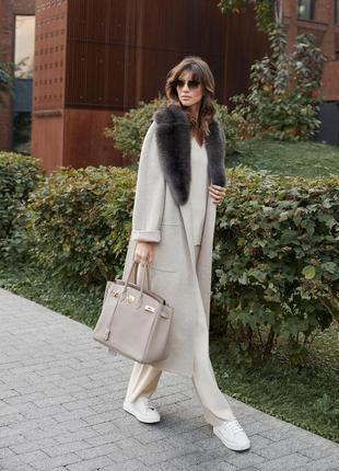 Шикарное пальто с мехом норки