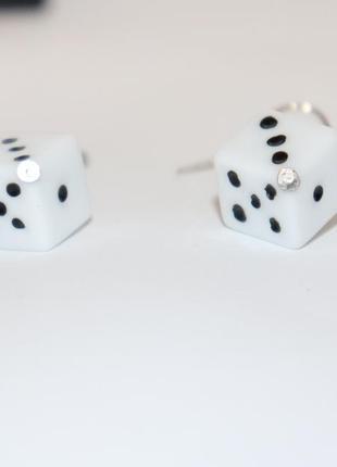 Красивые нежные серьги с подвесками кубики бижутерия вес 2,7 грамм винтаж