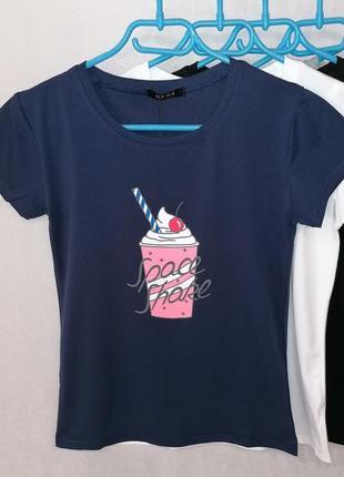 Женская футболка с ярким принтом, 42-46 размер.