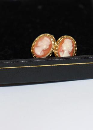 Шикарные нежные серьги камеи позолота бижутерия вес 3,9 грамм винтаж