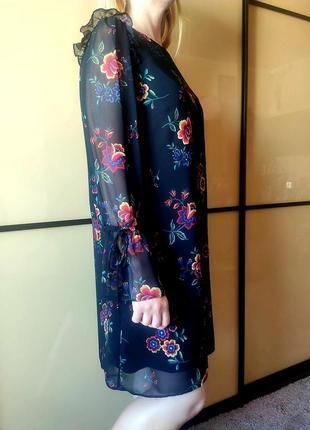 Нарядное черное платье с цветочным  принтом длинные рукава  от marks & spencer6 фото