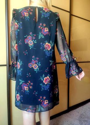Нарядное черное платье с цветочным  принтом длинные рукава  от marks & spencer5 фото