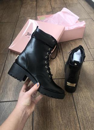 Новые весна демисезонные ботинки от бренда juicy couture с золотой фурнитурой оригинал