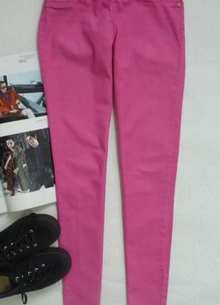 Стильні рожеві жіночі джинси завужені джегінси xs-s
