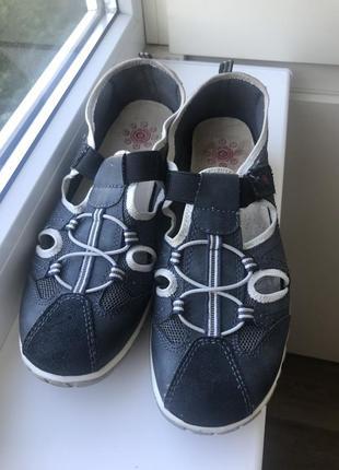 Легкие комбинированные спорт туфли relife 41