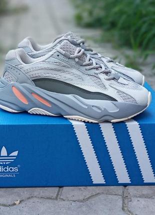 Женские кроссовки adidas yeezy 700 v2 серые, замша