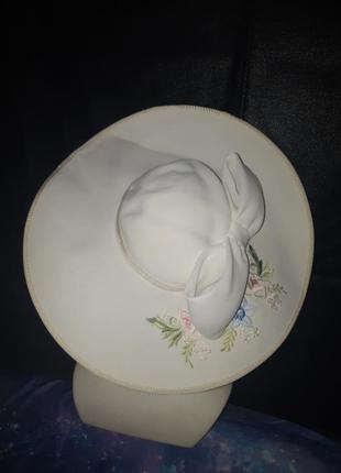 Шикарная винтажная шляпка с вышивкой cappelli condici