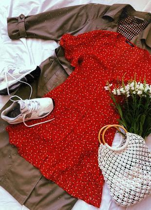 Классное платье в мелкий цветочек 😍