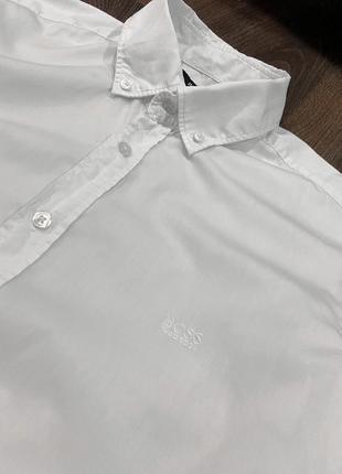 Белая рубашка hugo boss с логотипом оригинал