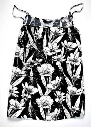F&f яркий черно белый топ в цветочный принт. м.10.38