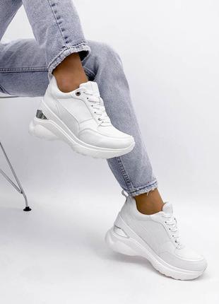 Белые сникерсы кроссовки на танкетке 8 см