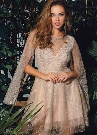 Вечернее платье с открытой спиной7 фото