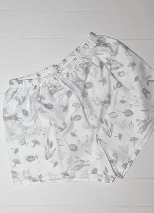Пижамно-домашние шорты белого цвета с рисунком из натурального хлопка